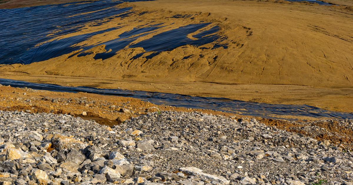 Impermeabilizzazione interrata multistrato nella realizzazione di un serbatoio per il trattamento primario dei fanghi di depurazione